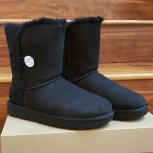New In Box UGG Bailey Button Bling Boots